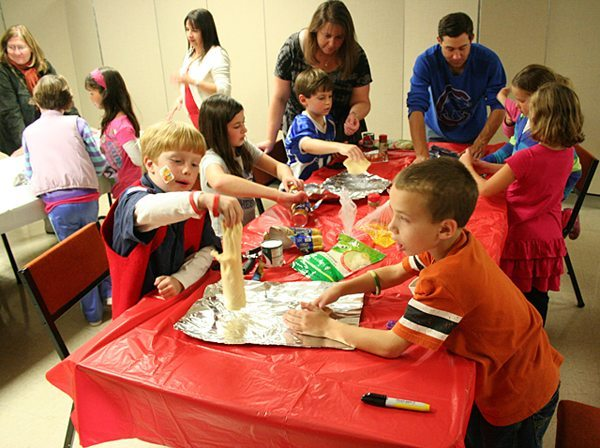Troop 44 & Pack 44's Fall Fest,2011 - One-Handed Pizza Activity
